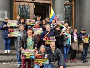 De Sabadell a La Haya, y con tramos a pie desde París, para denunciar el asesinato de activistas sociales en Colombia 2